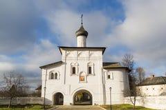 通告的门教会在苏兹达尔的建造16世纪 俄罗斯旅行金黄圆环  库存图片