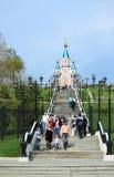 通往教会的道路在哈巴罗夫斯克 免版税库存照片