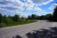 通往镇的道路 免版税库存图片