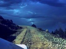 通往Prashar湖的道路 免版税库存图片