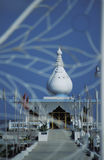 通过它的门被看见的Indu寺庙,特立尼达 免版税库存照片