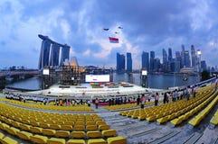 通过新加坡的标志飞行国家ndp 库存照片