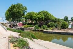 通过穆瓦萨克,法国的塔恩省河 库存照片
