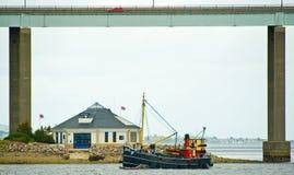 通过航行vic的32个房子救生艇 库存照片