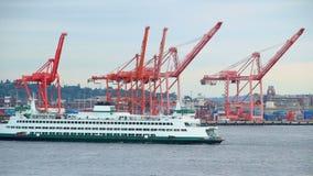 通过造船厂的西雅图轮渡 股票录像