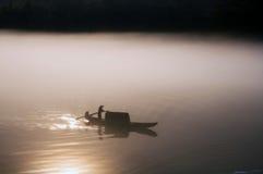 通过阳光在水中 免版税库存图片