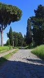 通过阿皮亚Antica在罗马 免版税库存图片