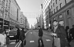 通过马德里的Gran。 黑色&空白摄影 免版税库存图片