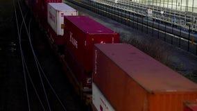 通过满地宝市的货车顶面射击 股票录像