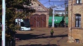 通过货车构成对老电车集中处背景 影视素材