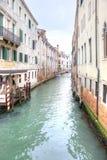 通道在城市威尼斯 免版税库存照片