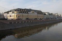 通道堤防莫斯科河 库存照片