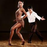 通配快步二拍子舞厅舞舞蹈 免版税图库摄影