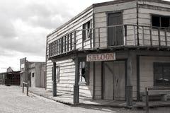 通配牛仔老交谊厅的城镇西部美国 免版税库存照片