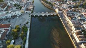 通风 历史Tavira罗马桥梁从天空的,在日落 股票视频