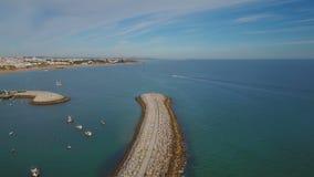 通风 在阿尔布费拉口岸防堤的飞行  飞行海鸥 影视素材
