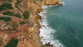 通风 飞行沿海滩岸晃动Arrifes,阿尔布费拉 葡萄牙 影视素材