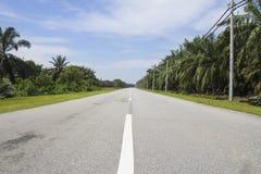 速度推进旅途的农村路高速公路 免版税库存照片