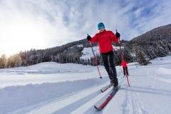 速度滑雪 年轻做锻炼的人和妇女 库存照片