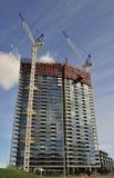 建造场所大厦和脚手架 免版税图库摄影