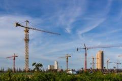 建造场所有天空背景。 库存图片