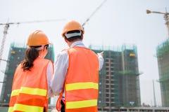 建造场所的商务伙伴 免版税库存图片