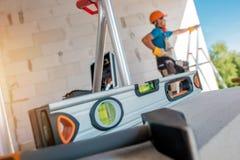 建造场所水平工具 免版税库存图片