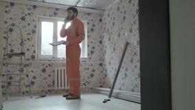 建造者对修理工作达成协议 影视素材