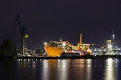 造船厂在晚上 图库摄影