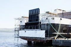造船和起重机在口岸格拉斯哥造船绞刑台船坞港口港口 免版税库存图片