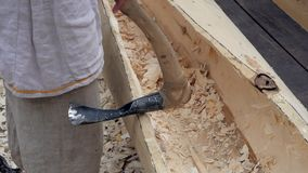 造船藏品锛子,古老木雕刻的工具 影视素材