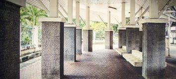 仿造铺瓦片,水泥砖地板背景 免版税库存图片
