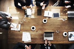 遇见会议激发灵感概念的商人 免版税库存照片