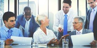 遇见合作队概念的商人 免版税库存照片