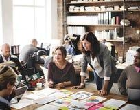 遇见设计想法概念的商人 免版税库存照片