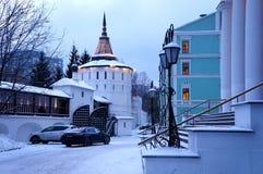 道尼洛夫修道院庭院  免版税图库摄影