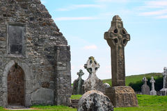 道林, Clonmacnoise,爱尔兰寺庙  免版税图库摄影