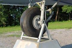 道格拉斯达可它DC-3 C-47 WWII平面正确的轮胎 免版税库存照片