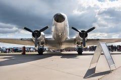 道格拉斯DC-3乘客飞机 免版税库存照片