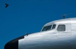 道格拉斯DC-7和燕子 图库摄影