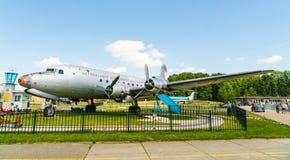 道格拉斯DC-4 Skymaster PH-DDY飞机被显示在Aviodrome飞机博物馆 免版税库存照片