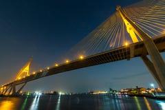 索道桥梁十字架河 免版税图库摄影