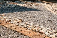 道路包括石头 免版税图库摄影
