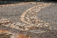 道路包括石头 库存照片