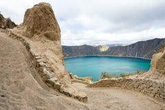 道路向Quilotoa火山口湖,厄瓜多尔 免版税图库摄影