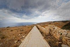 道路寺庙Mnajdra和Hagar Qim (马耳他) 库存图片