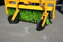 道路清扫工机器fow洗涤的和清洗的柏油路 街道清洁 库存图片