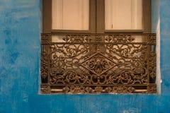 遗产,西班牙-老伪造的窗口 库存照片