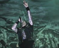 遗嘱在音乐会2016重的捶打金属带居住 免版税库存照片
