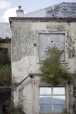 遗弃大厦垂直的射击在威尔士,英国 图库摄影